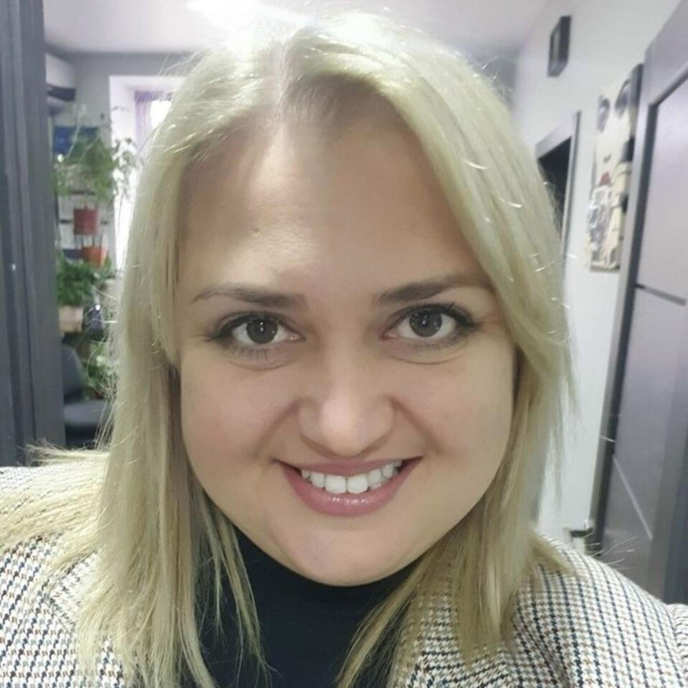 Ладик Юлия
